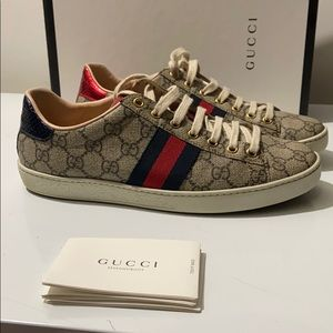Gucci Supreme logo ace sneakers